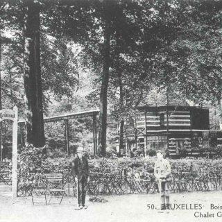 Le gymnase. Carte postale, vers 1920.