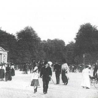 L'entrée du bois de la Cambre. Carte postale, vers 1910.